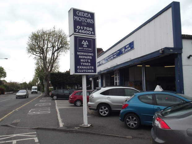 Gidea Motors service, MOT and tyres for all vehicles.